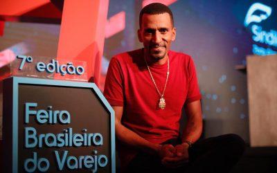 """""""Na venda, 20% é talento e o restante é relacionamento"""", afirma Rick Chesther na Feira Brasileira do Varejo"""
